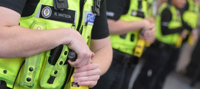 Para atajar la criminalidad, el gobierno inglés distribuirá más pistolas TASER® a sus policías