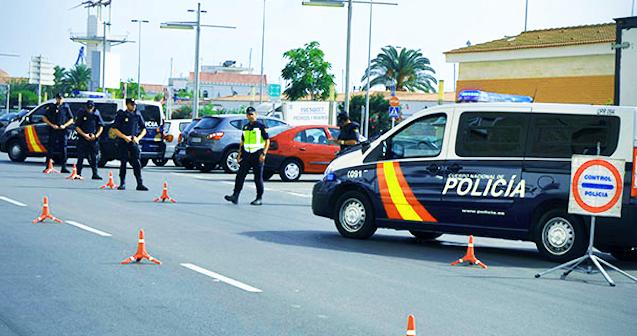Policia nacional realizan un control viario